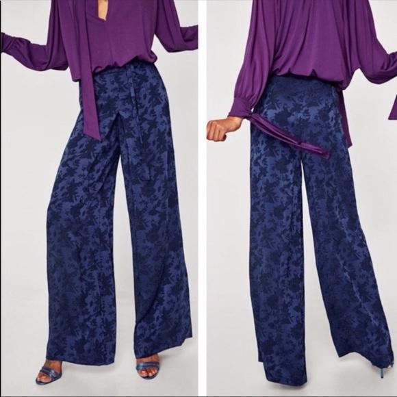 ZARA Black Brocade Jacquard Dress With Zip Detail Size M L